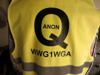 Gelbe Weste Q ANON